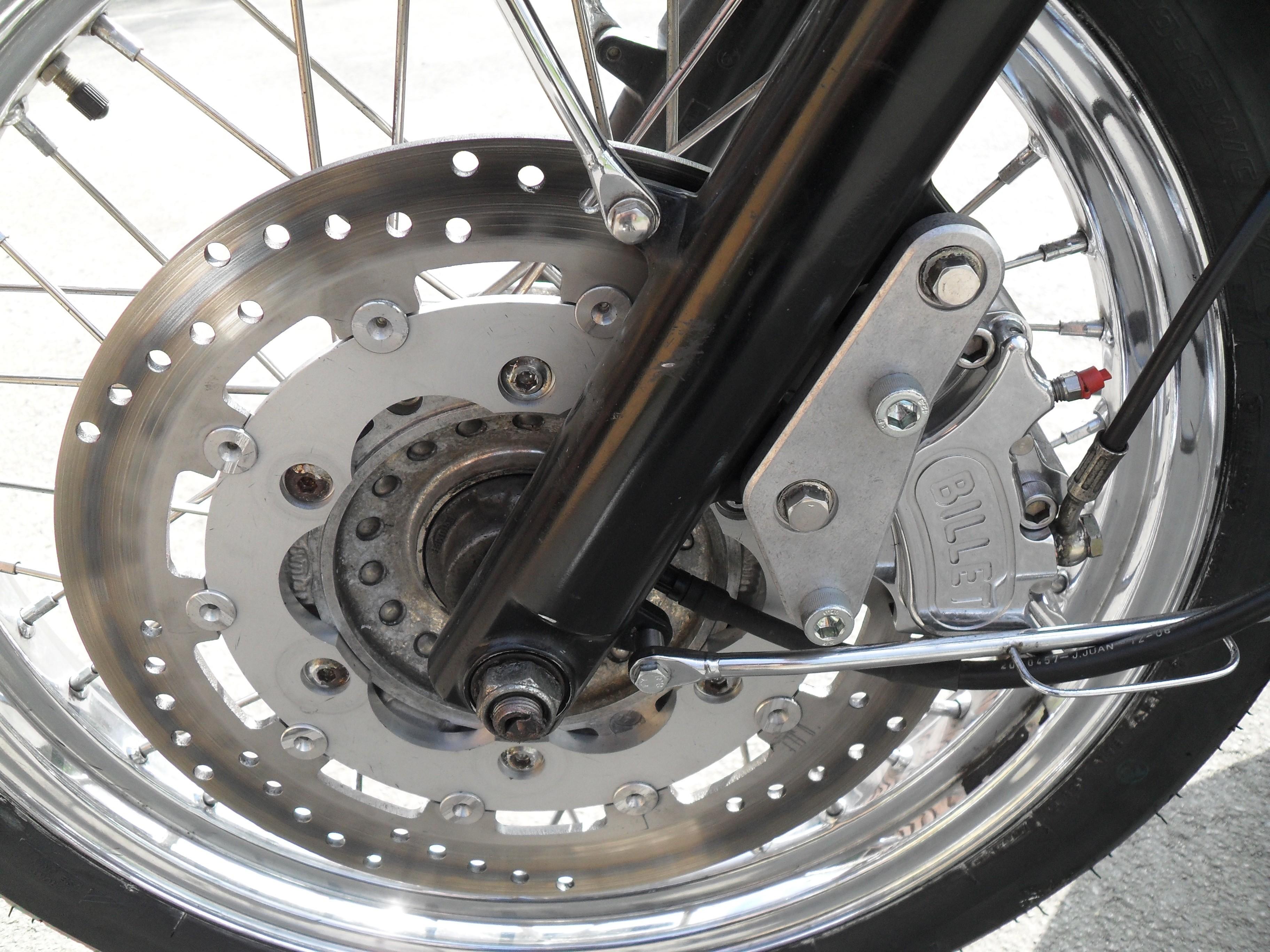 Bonneville / T100 325mm / 4 piston front brake upgrade kit FITS 2000-2015 NOT CAST WHEEL SE VERSION